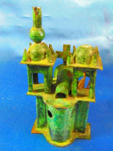 el arcon antiguo castillo de bronce y cobre 8 x 4,5 cm 11568