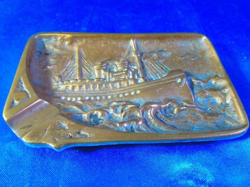 el arcon antiguo cenicero de bronce motivo barco 15068
