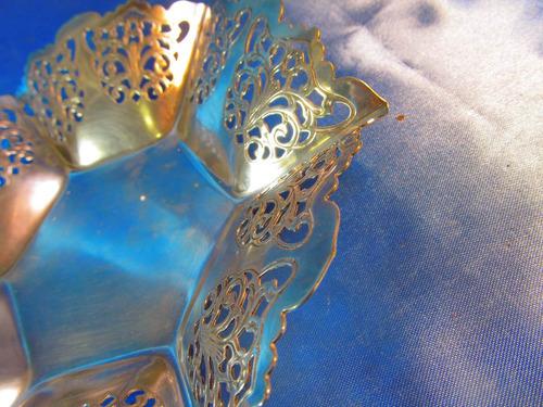 el arcon centro de mesa de metal calado 19,5x18cm 17202