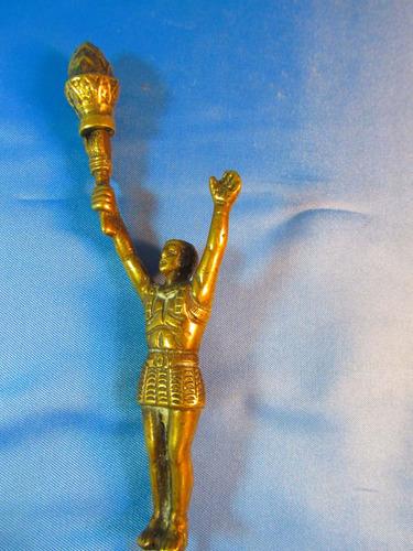 el arcon figura de bronce hombre con antorcha 18cm 44064