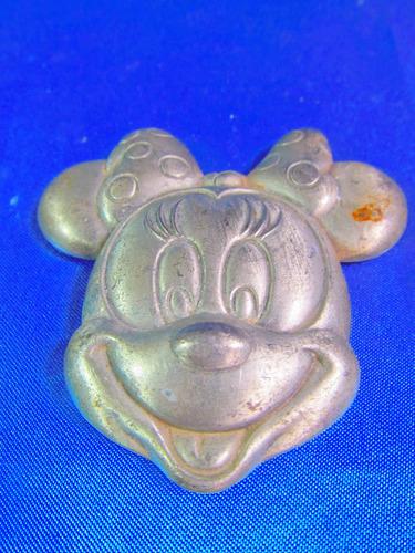 el arcon figura mickey minnie de aluminio 8 x8  8519
