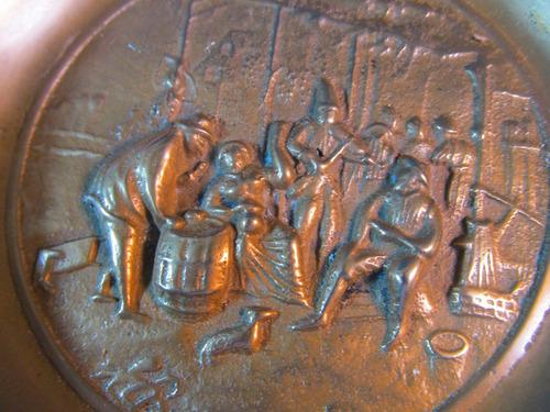 el arcon gran cenicero redondo labrado de bronce 20cm 39071
