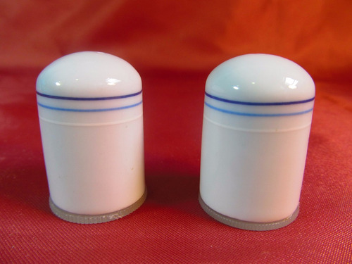 el arcon juego de salero y pimentero de porcelana 46502