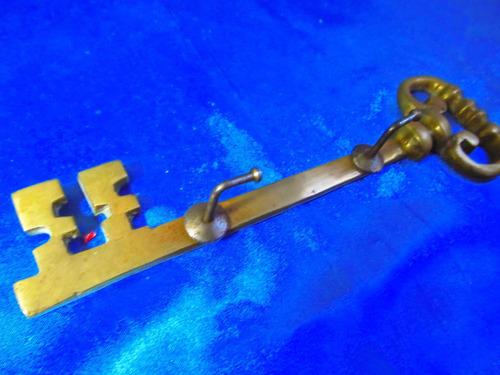 el arcon llavero portallaves de bronce motivo llave 18065