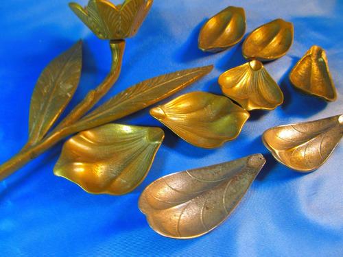 el arcon lote de ceniceros bronce y figura de una flor 44077