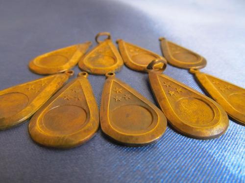 el arcon medallas dijes en forma de gota c/ 3 estrell 381 23