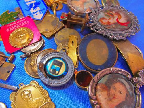 el arcon medallas religiosa virgen rezando mediana 380 81