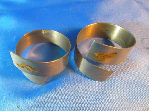 el arcon par de antiguos servilleteros de metal 50050