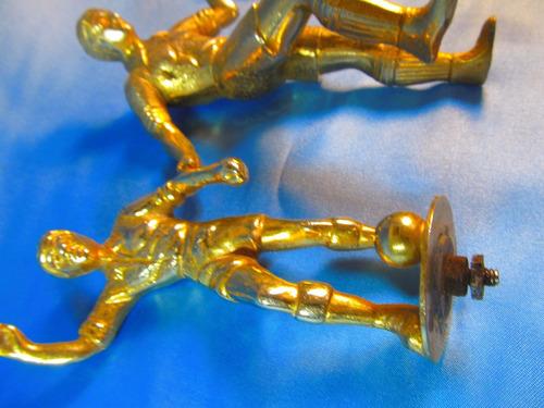 el arcon par de figuras de bronce futbolistas pesadas 44065
