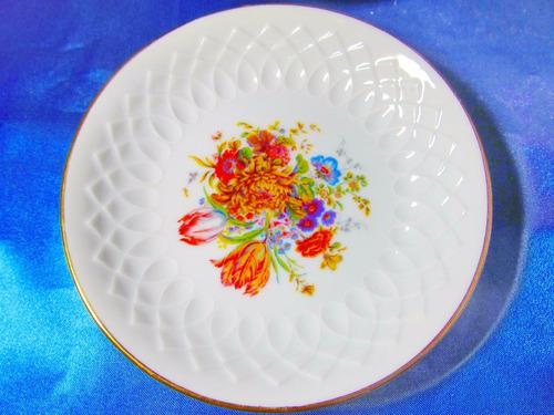 el arcon par de platos de porcelana tsuji con flores 27116