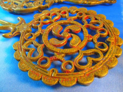 el arcon par de posapavas de bronce trabajados 25cm 8537