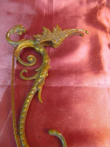 el arcon par de soportes de bronce labrados 69511
