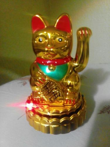 el gato de la suerte / pequeño