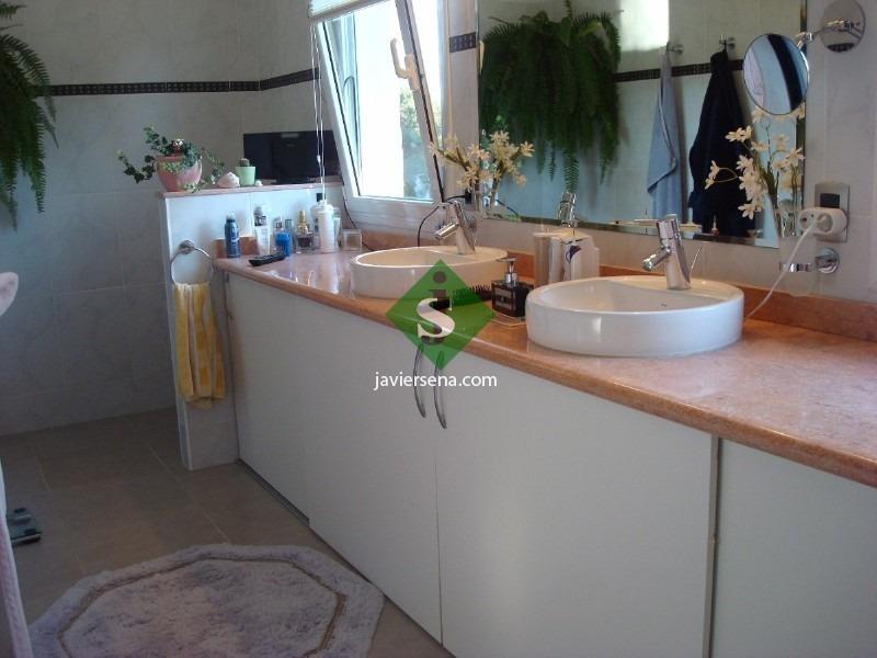 el golf, espectacular chalet, 4 dormitorios, 4 baños, pileta, servicios, gran entorno.- ref: 46508