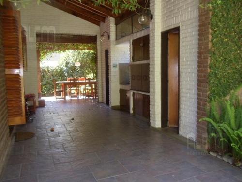 el ombu | cerca de la entrada!