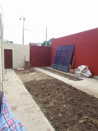 el palomar; casa americana de 3 ambientes en esquina con amplio patio;  cañerias de luz, gas; agua todo hecho a nuevo! apta credito bancario!!!! f: 7538