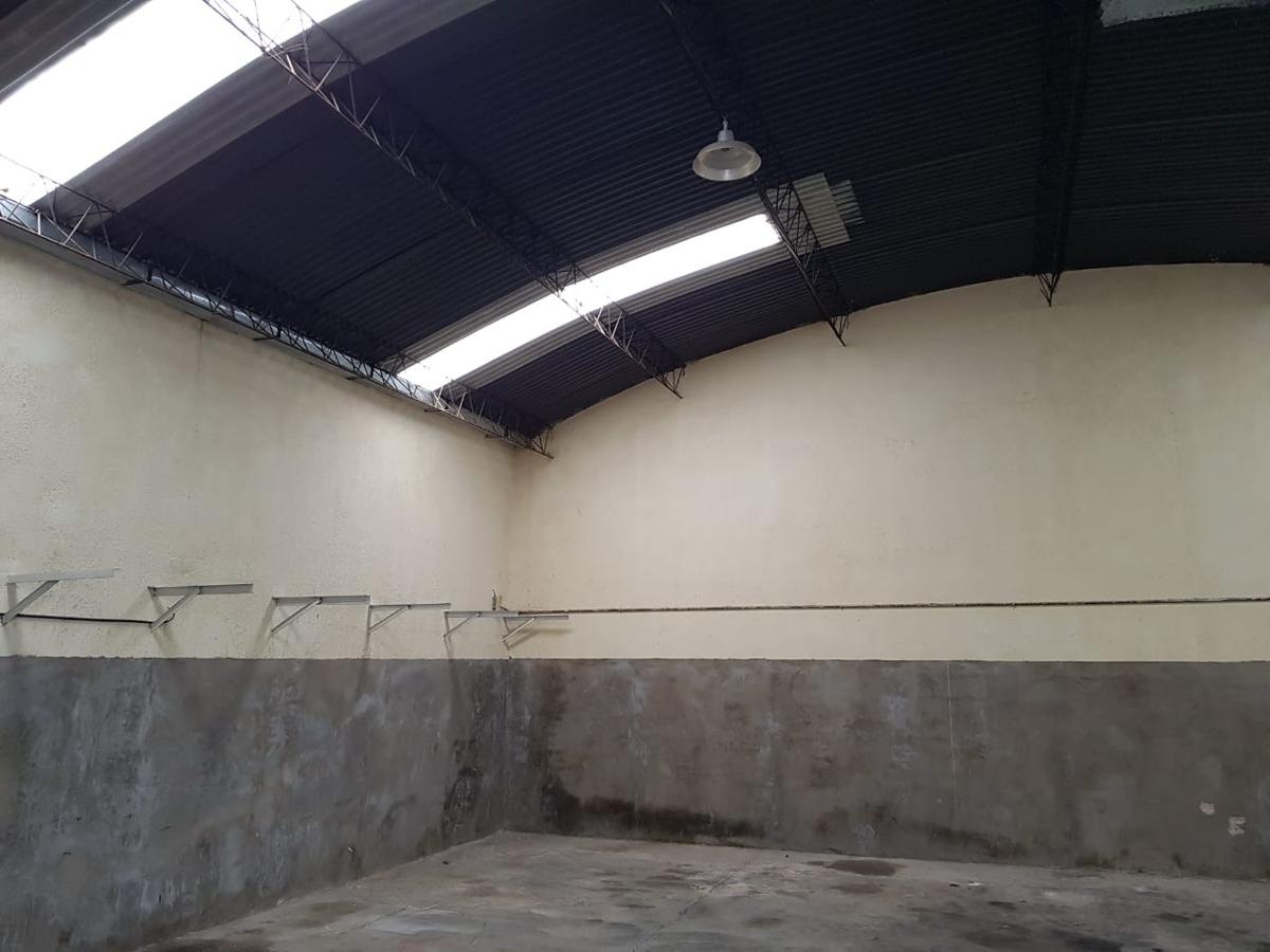 el palomar: es un lote de 1129,34 metros cuadrados con dos locales comerciales de 58 metros cuadrados uno y el otro de 114 metros  f: 7753