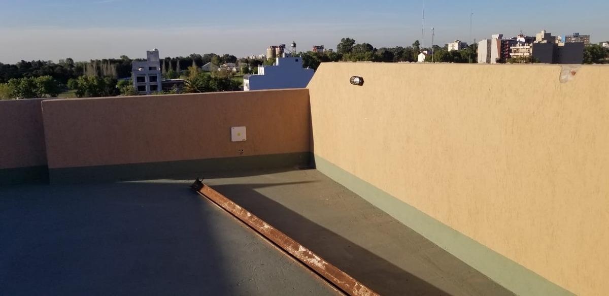 el palomar se vende espacio de cochera cubierta en edificio a solo 2 cuadras de la estacion el palomar f: 6474