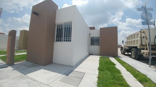 el pueblito centro, hermosa casa de una planta, 3 recámaras, privada, t.90 m2