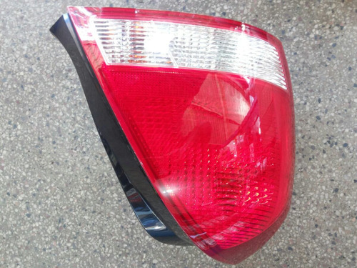 elantra 01/03 lanterna traseira bicolor ( unitaria )
