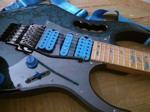 electrica ibanez guitarra