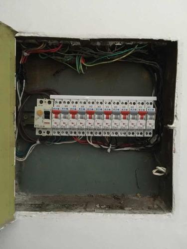 electricista autorizado. urgencias las 24hs. responsable