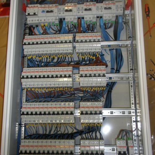 electricista service 24 hs  zona pocitos, cordon, etc