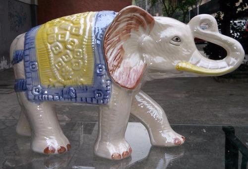 elefante grande de porcelana