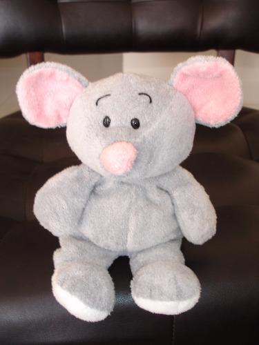 elefante mide 25 cms de alto