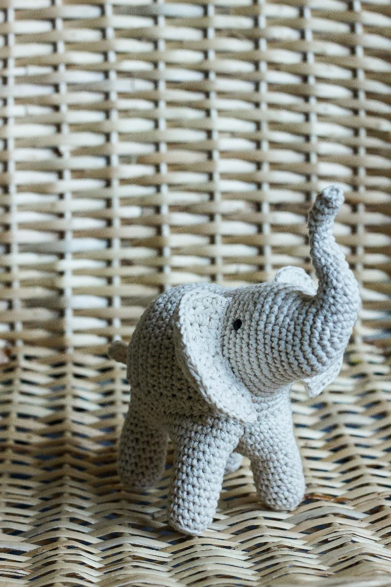 Elefante Tejido A Crochet - Elida A Tejer - $ 450,00 en Mercado Libre