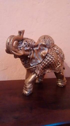 elefante tibetano gigante