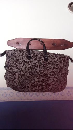 elegante bolso de mano. color negro/gris
