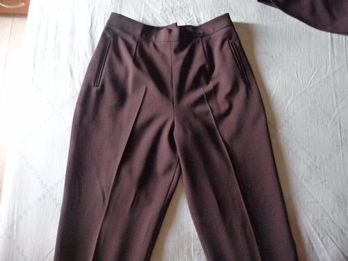 elegante conjunto de blazer, pantalón y blusa para dama