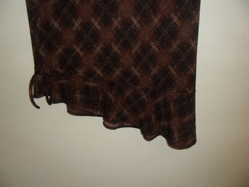 elegante falda en tela importada. talla l