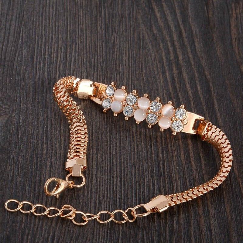 176b455f3e9b elegante pulsera brazalete color oro joyería fina y elegante. Cargando zoom.