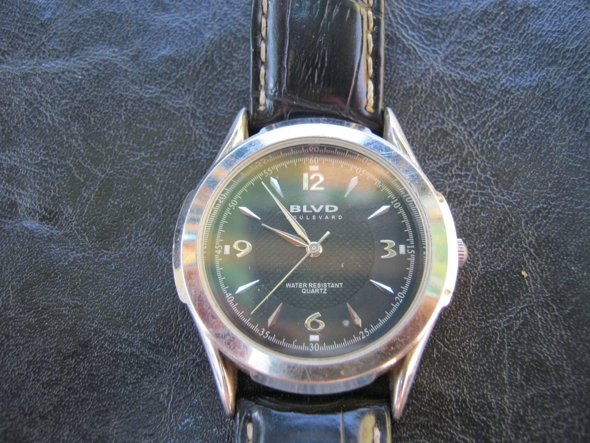 Elegante Reloj Varon Pulsera Qurtz Blvd Esfera Negra -   22.000 en ... 1894711b9eb1