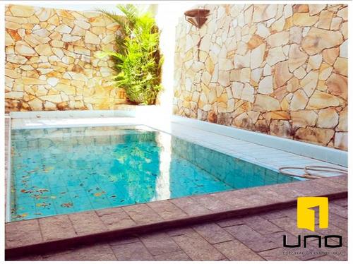 elegante y amplia casa c/ piscina  6 suites en  av. charcas