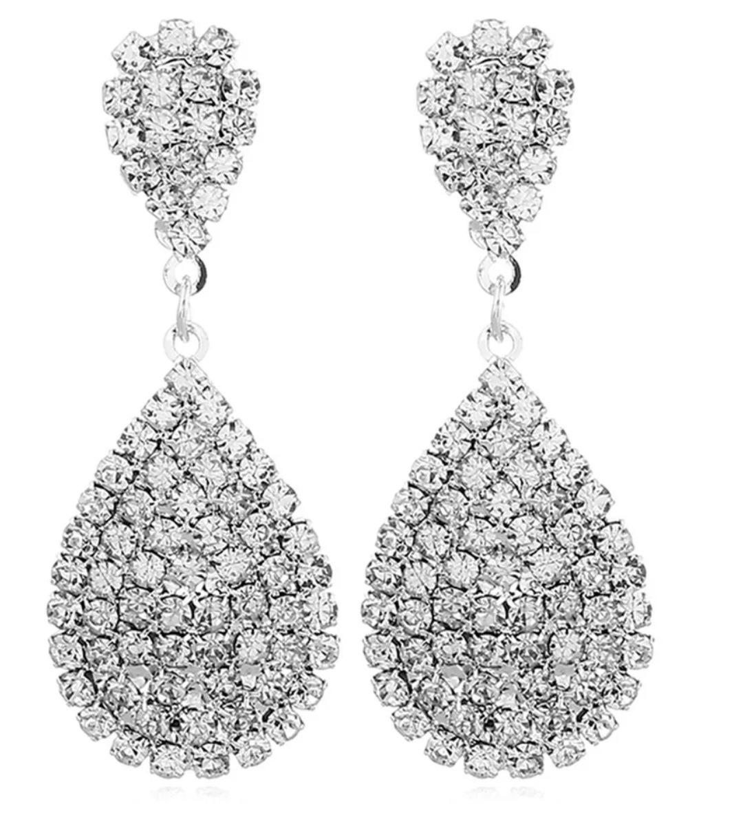21d07b9c4d0f elegantes aretes largos gota cristal zirconia baño de plata. Cargando zoom.