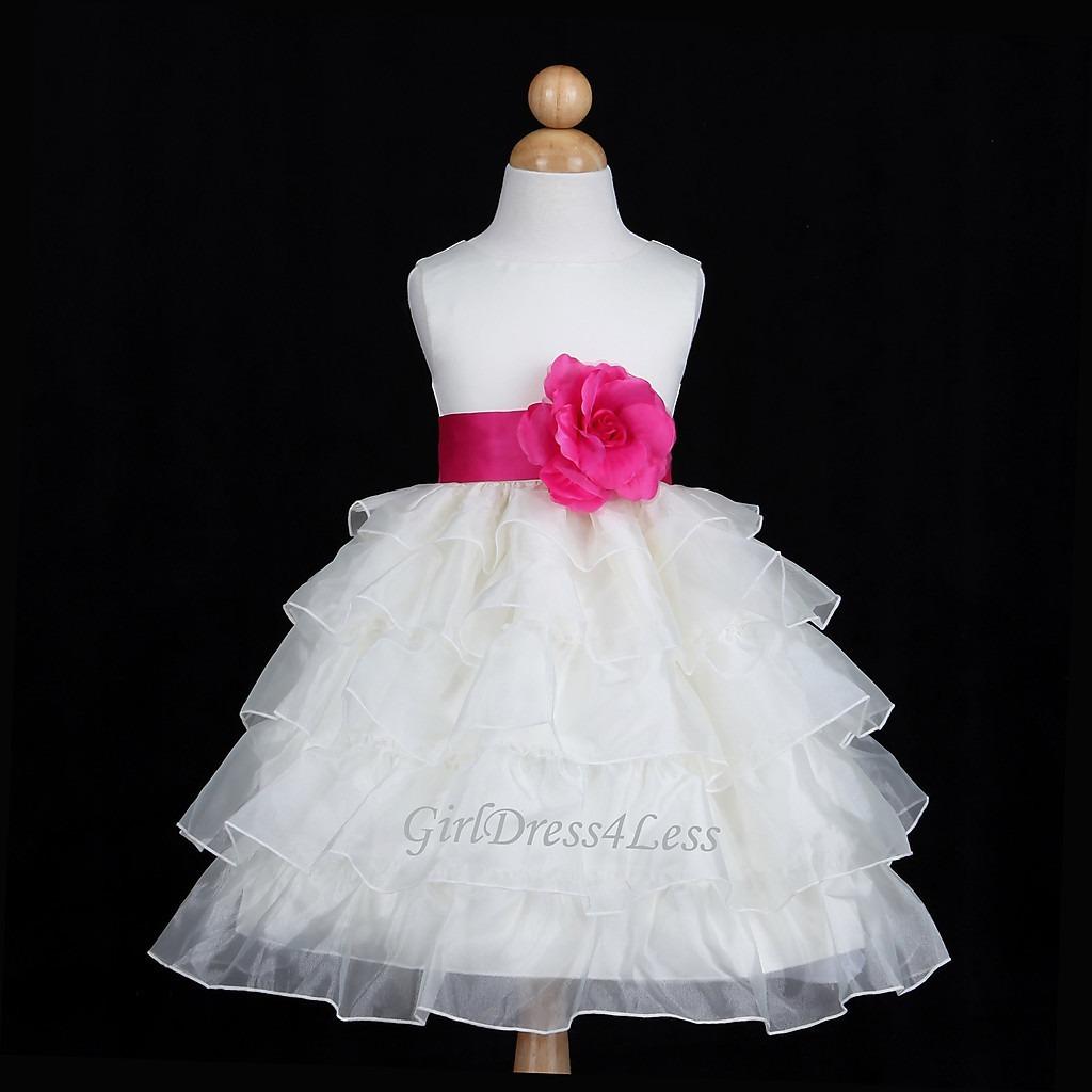 Si tienes una hija, sobrina o nieta que le quieres regalar un vestido para una fiesta, bautizo o para un casamiento de algún familiar o amigo te voy a dejar las mejores ideas de diseños de vestidos para niñas que puedas encontrar.