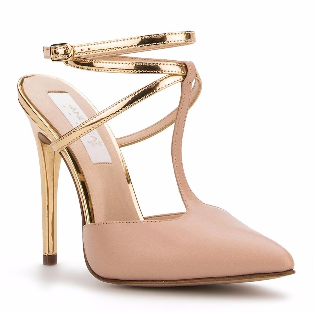Elegantes zapatillas andrea rosas tac n de aguja dorado for Zapateros elegantes