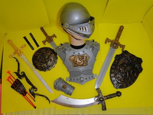 elmo armadura peitoral bracelete espada 02 escudos chapeu