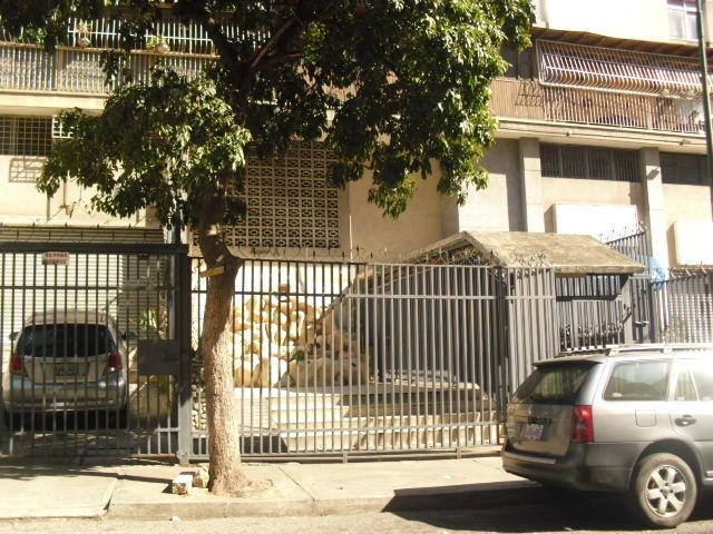 elys salamanca vende apto en las acacias mls #19-9595