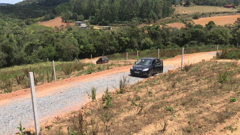 em ibiuna terrenos 600 metros com infraestrutura 03