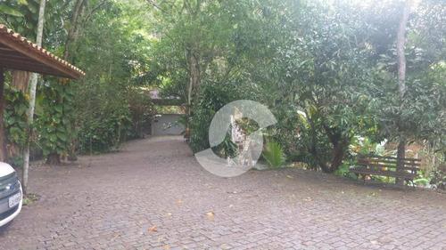 em niterói, casa em área de 2800 m2 com interação máxima com a natureza  - r$ 1.200.000,00 - ca0390