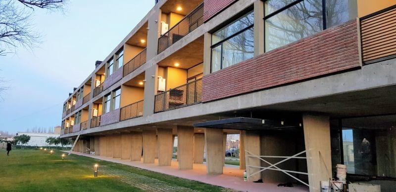 emas house alquila departamento 1 dormitorio barrio cerrado