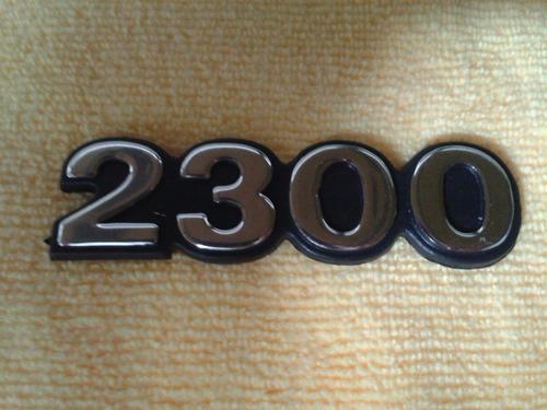 emblema  2300 luv