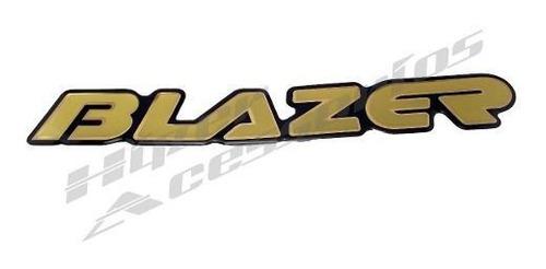 emblema adesivo blazer 2001 resinado dourado