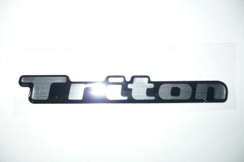 emblema (adesivo) l200 triton