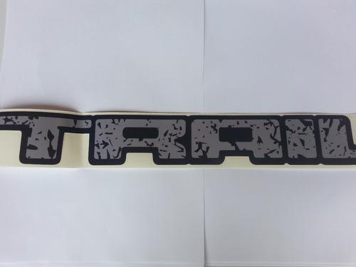 emblema adesivo trail grande cinza para fiesta
