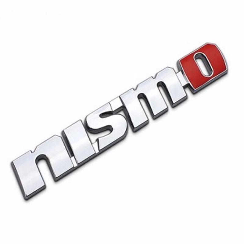 emblema cromado posterior nismo de metal.